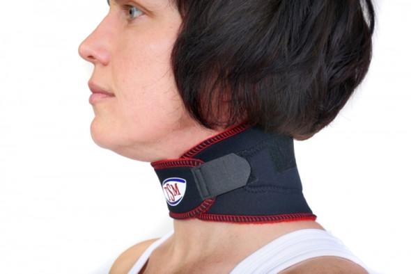 wann macht eine nackenbandage sinn hals nacken nackenschmerzen. Black Bedroom Furniture Sets. Home Design Ideas